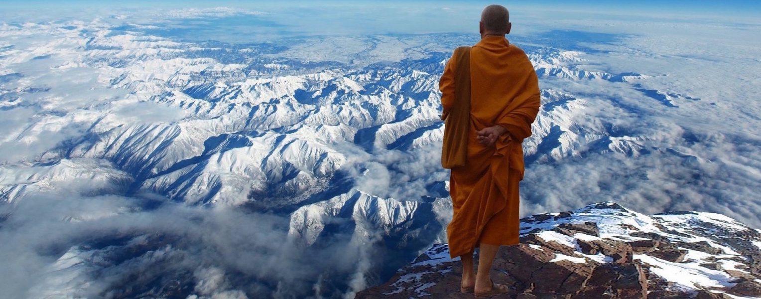 ヒマラヤと僧侶